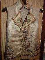 Vest di Uomini, seta ricamata, fine del 18 ° secolo-1