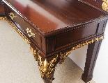 Coppia di tavolini dorati antichi in mogano del 1800-17