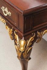 Coppia di tavolini dorati antichi in mogano del 1800-18