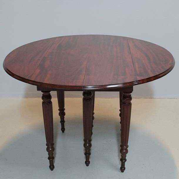 Tavolo stile Luigi Filippo, Francia, XIX secolo