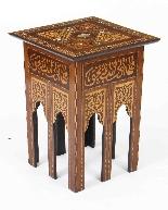 Antico set di 3 tavoli occasionali intarsiati con madreperla-6