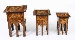Antico set di 3 tavoli occasionali intarsiati con madreperla-0