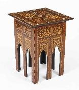 Antico set di 3 tavoli occasionali intarsiati con madreperla-7