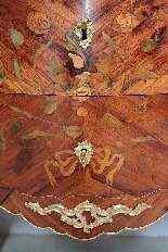 Cassettone Luigi XV in essenza di rosa XVIII secolo-14