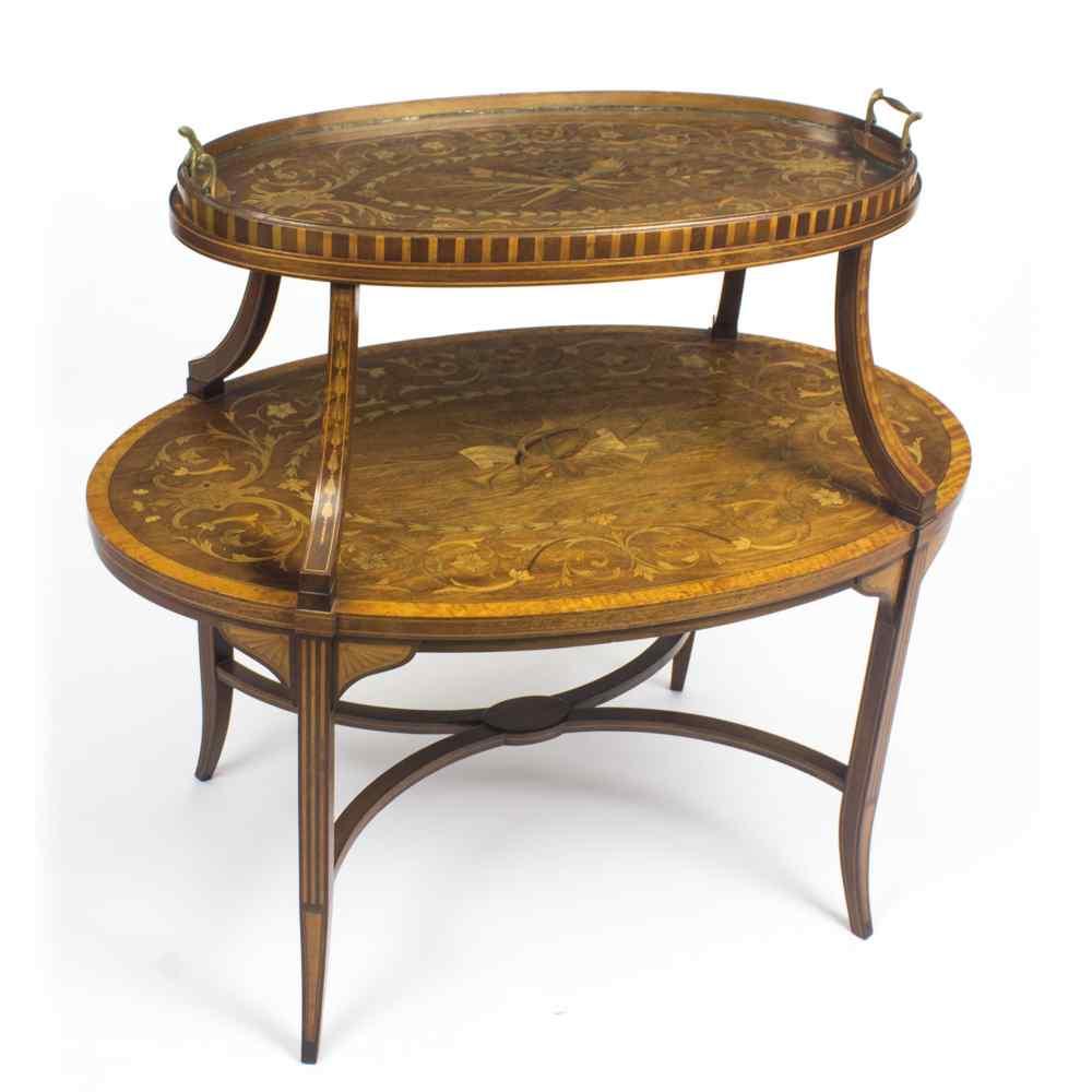 Tavolo antico in mogano inglese e etagere in legno satinato