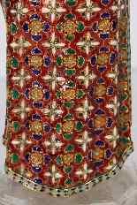 Figura in oro smaltato e cristallo di rocca dell'Imperatore-6