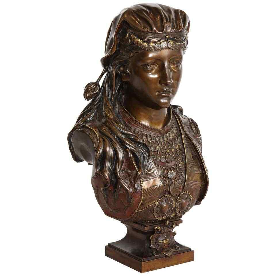 Uno squisito busto in bronzo orientalista multi-patinato fra