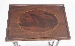 Antico nido vittoriano in mogano intarsiato con 3 tavoli c.1-4