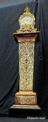 Impressionante orologio longcase di altezza 235 centimetri B-4