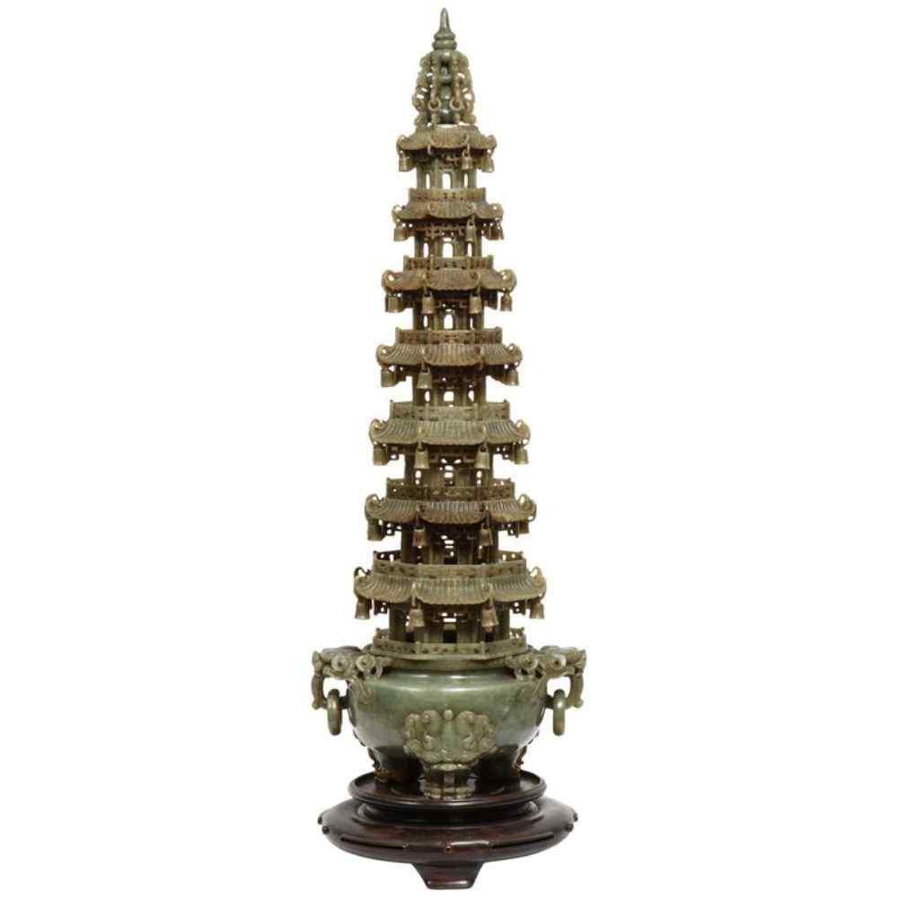 Incensiere per pagoda intagliato serpentino cinese monumenta