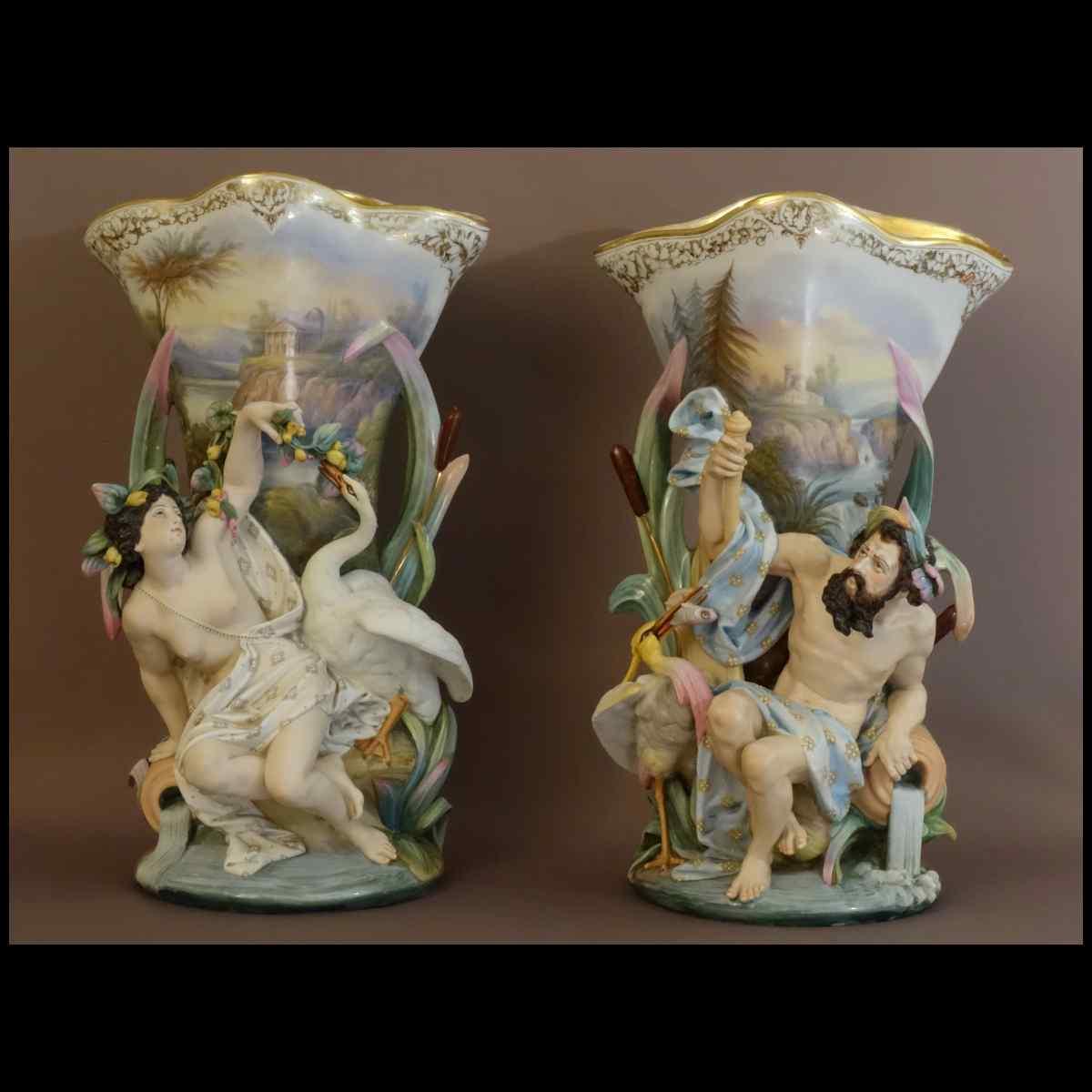 Paire De Grands Vases Aux Allégories De Source XIXème