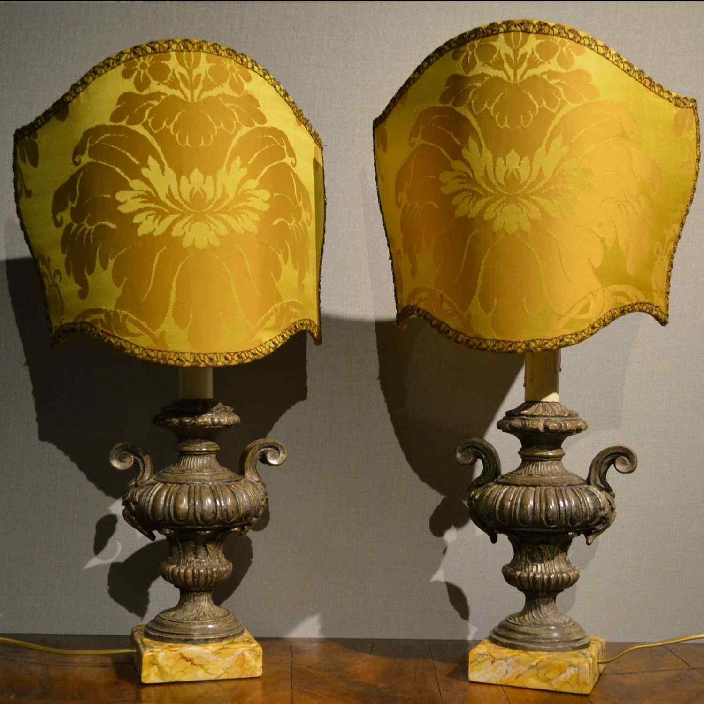 Paire de lampes de table anciennes