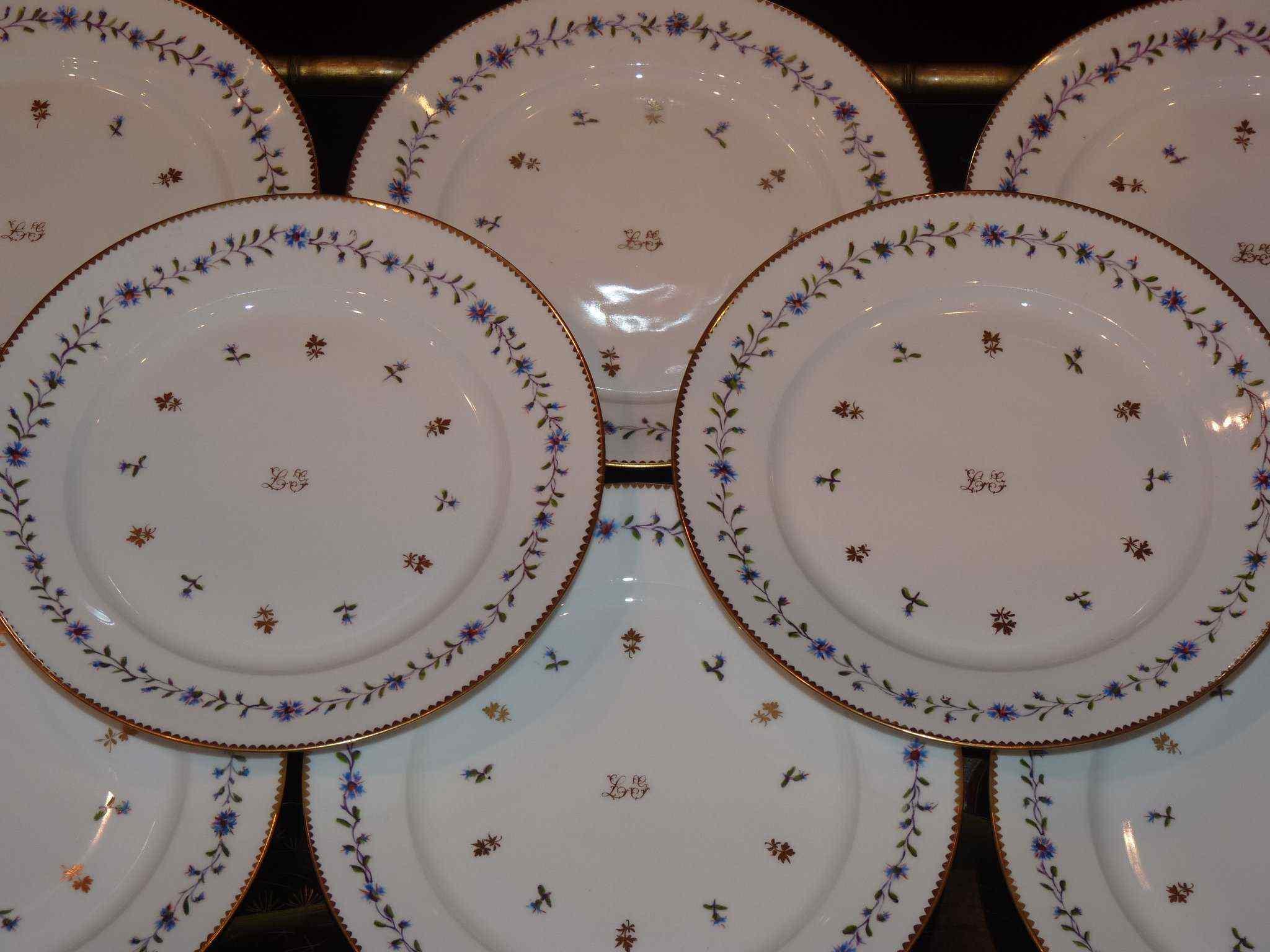 Porcellana di Nyon, servizio di 15 piatti, XIX secolo ...