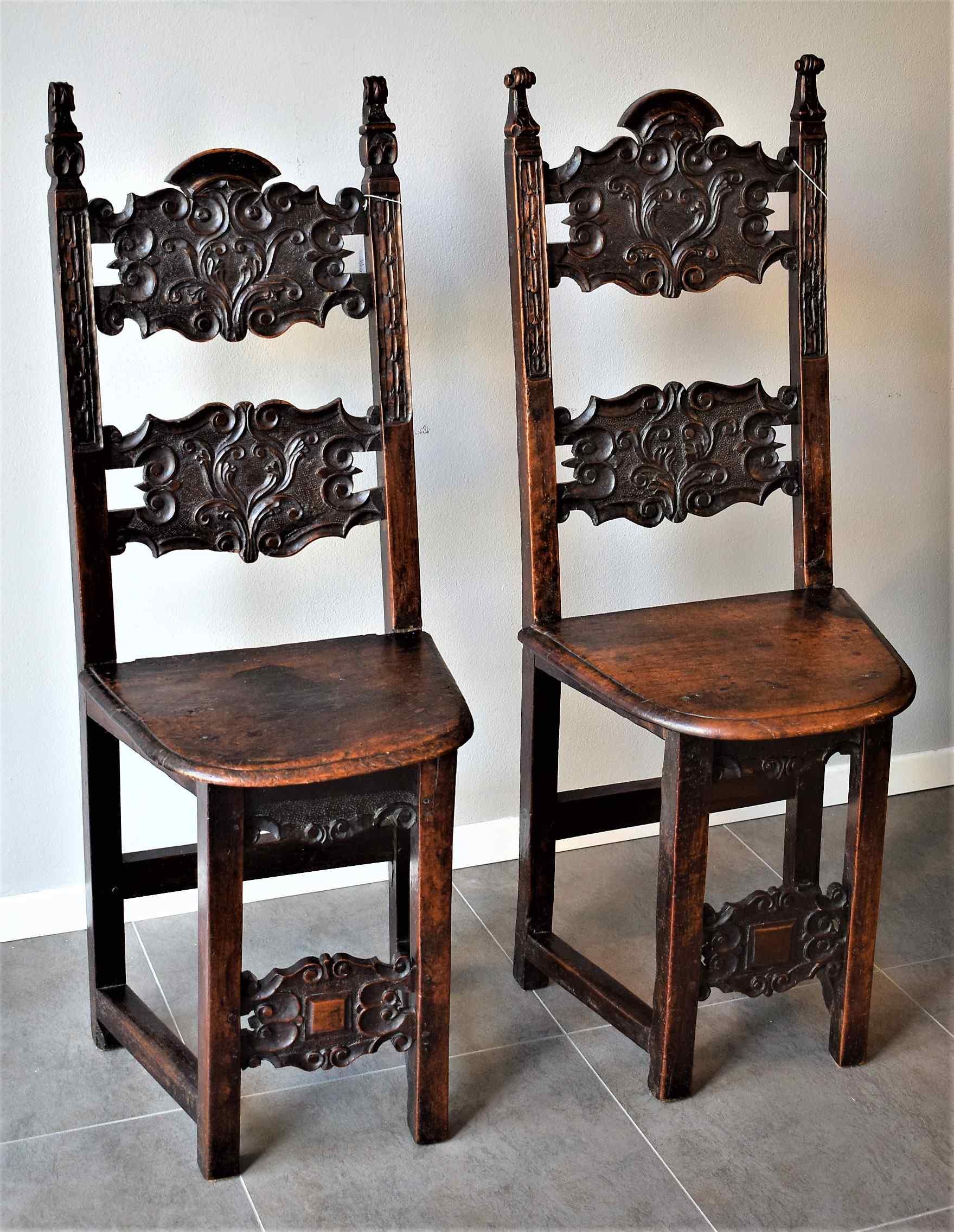 Coppia di sedie Luigi XIV Lombarde