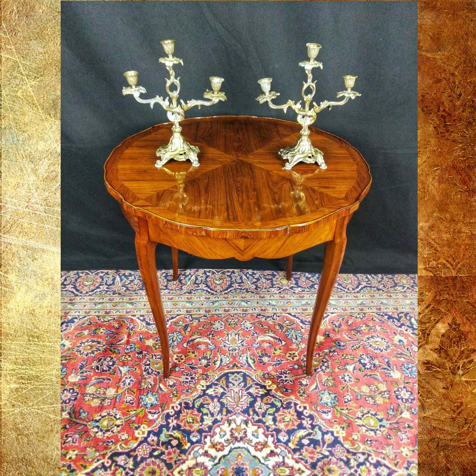 Tavolino Italiano Stile Luigi XV del XIX Secolo