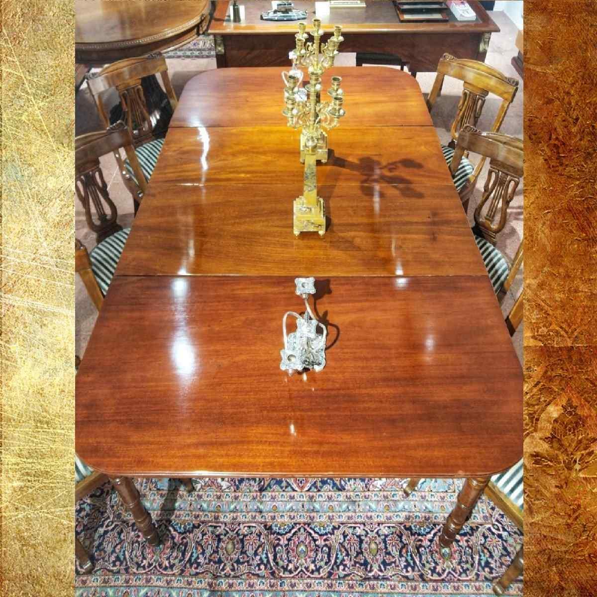 Tavolo da Sala Vittoriano in Mogano XIX Secolo