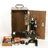 Microscopio di marca Lemardeley Paris, XIX secolo-1