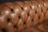 Divano Chesterfield Dellbrook 3 posti in pelle marrone ocra-3