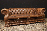 Divano Chesterfield Dellbrook 3 posti in pelle marrone ocra-4