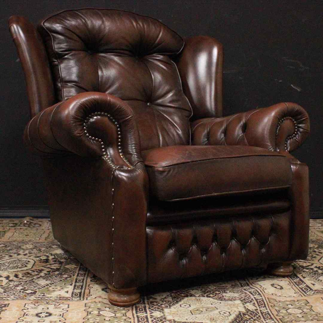 Poltrona Chesterfield bergere in pelle Springvale marrone