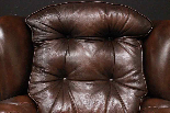 Poltrona Chesterfield bergere in pelle Springvale marrone-10