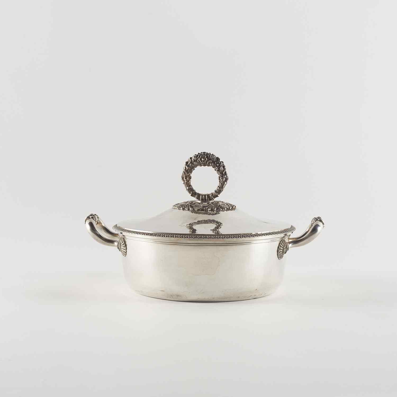 Piatto per verdure in argento, XX secolo
