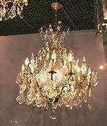Antico lampadario di cristallo e bronzo-1