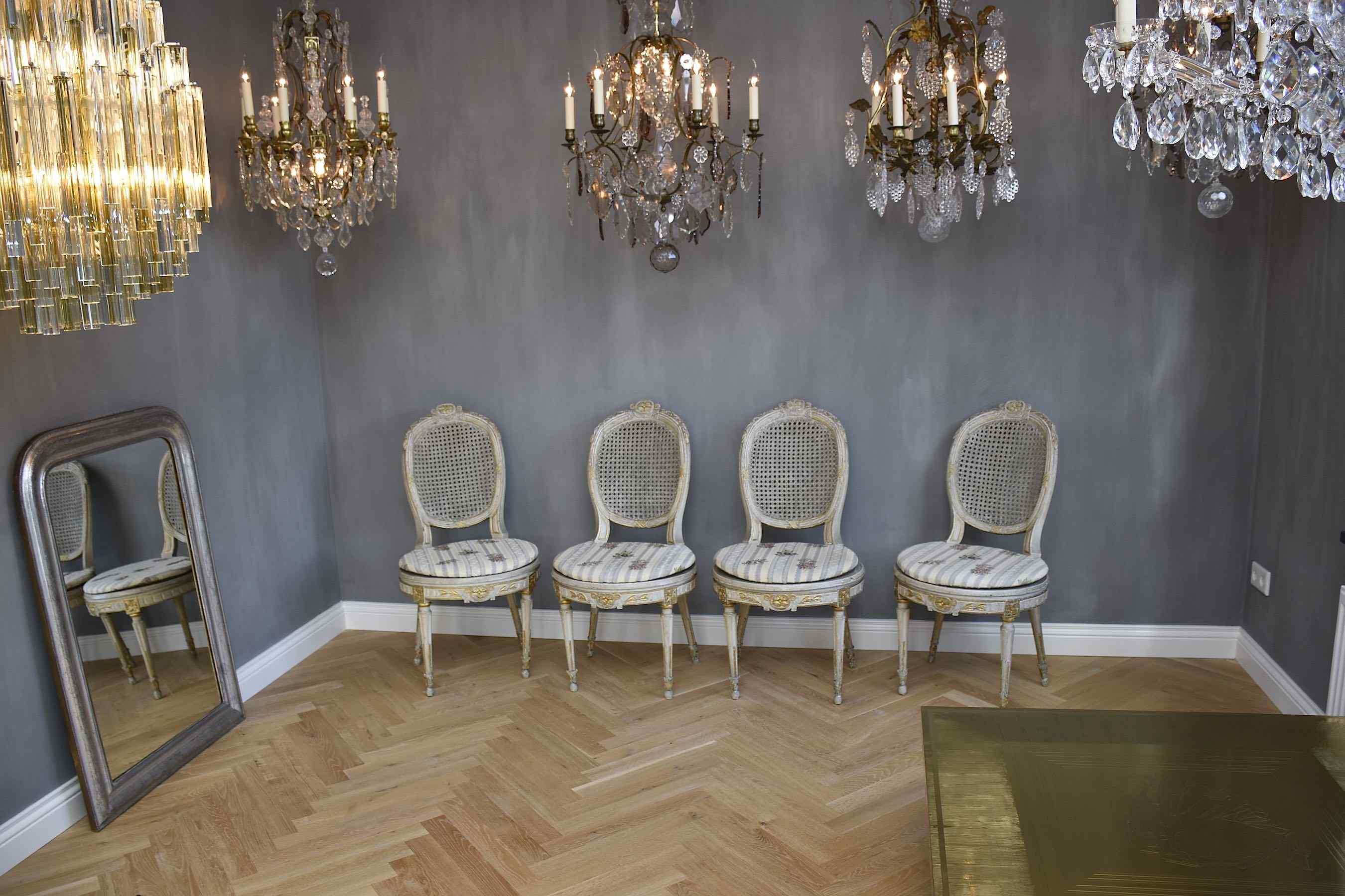Ensemble de chaises anciennes Louis XVI