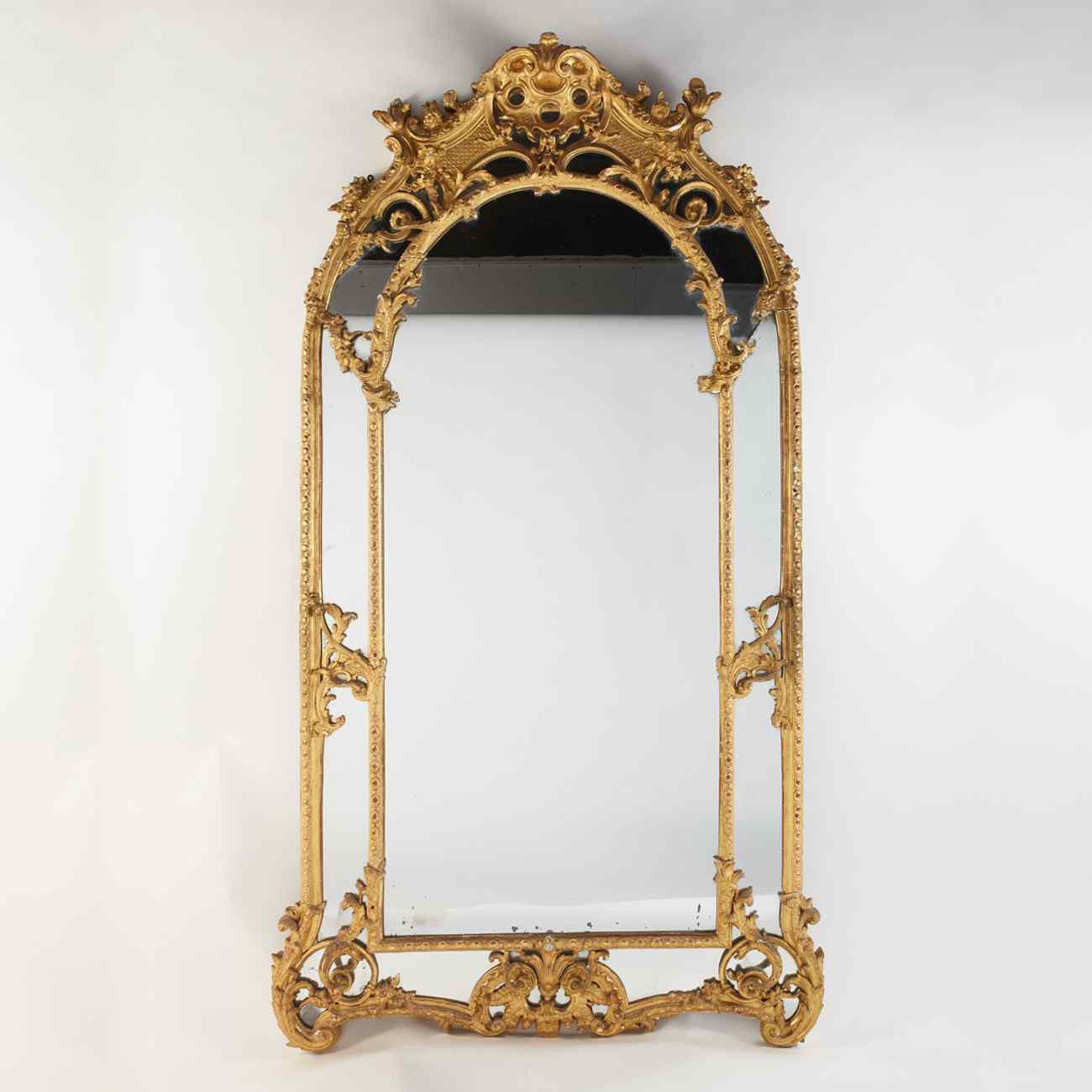 Regency period giltwood mirror, 18th century