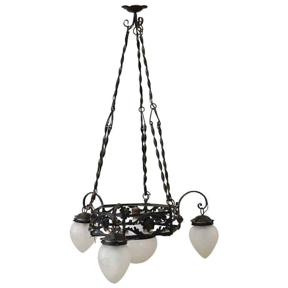 lampadario Art Nouveau in ferro antiquariato inizi sesc XX