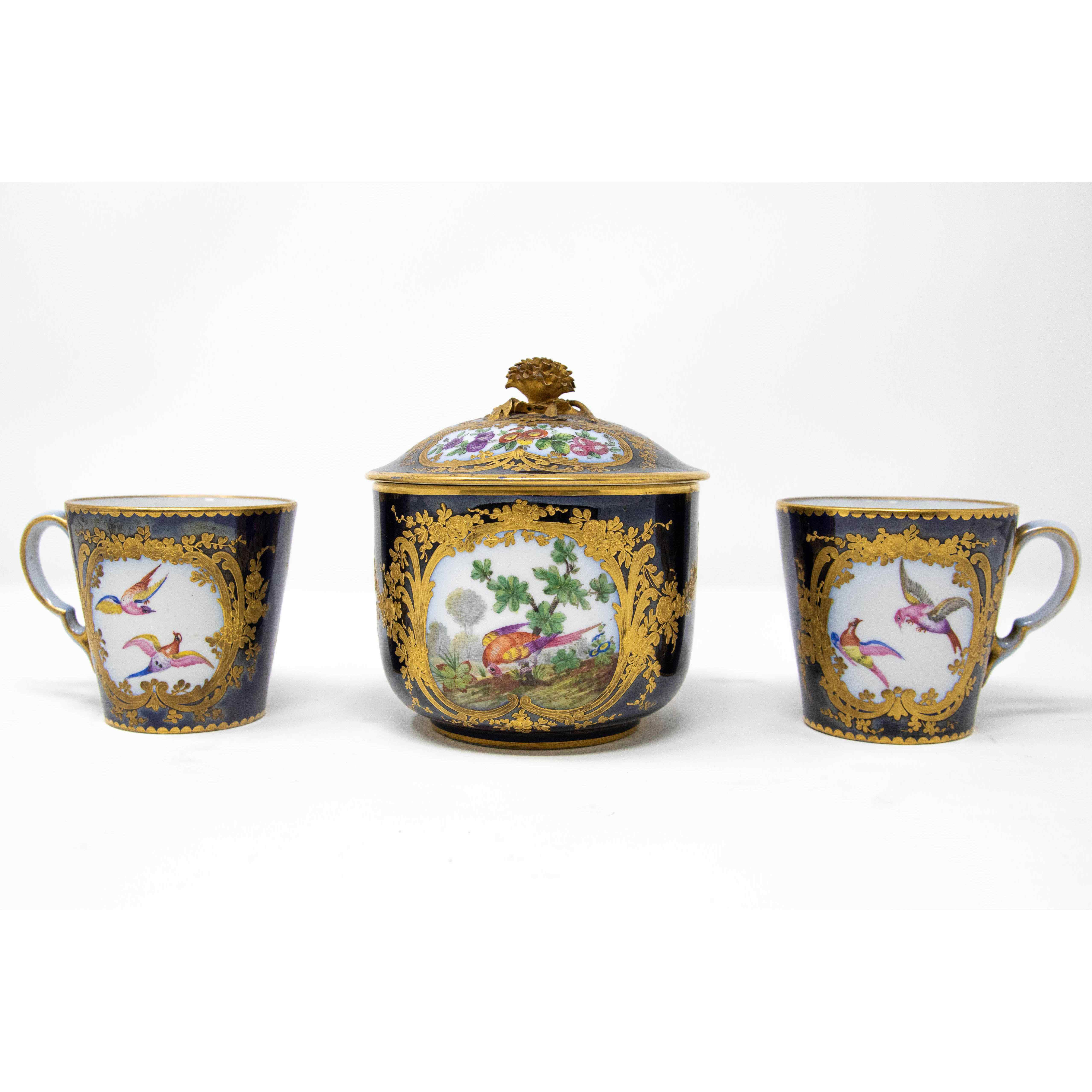 Servizio da caffè in porcellana, XIX secolo