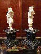 Coppia di statue in avorio, 1700, i musicisti-16