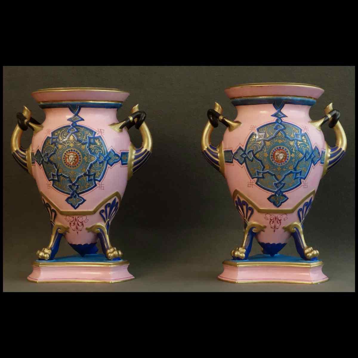 Paire De Grands Vases A l'Etrusque En Sèvres XIXème