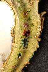 Specchiera veneziana laccata e dorata della fine del XIX -8