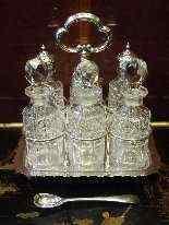 Oliera in metallo argentato, epoca Regina Vittoria-4