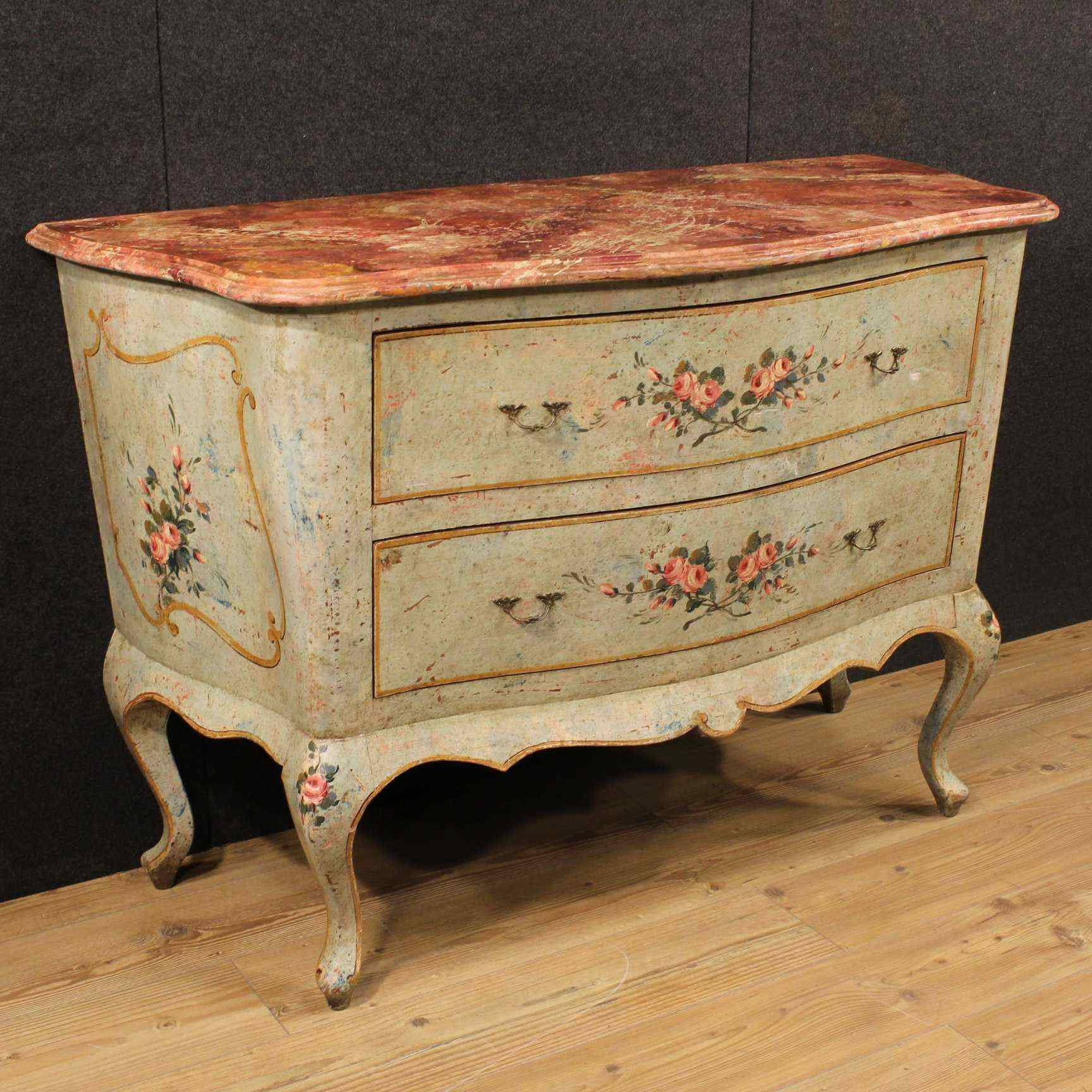 Venetian dresser in lacquered and painted wood