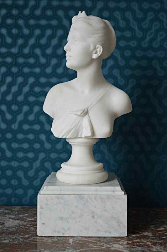 Maurice Duverger Alexandre Veron, Marble Bust Of Diana.  XIX