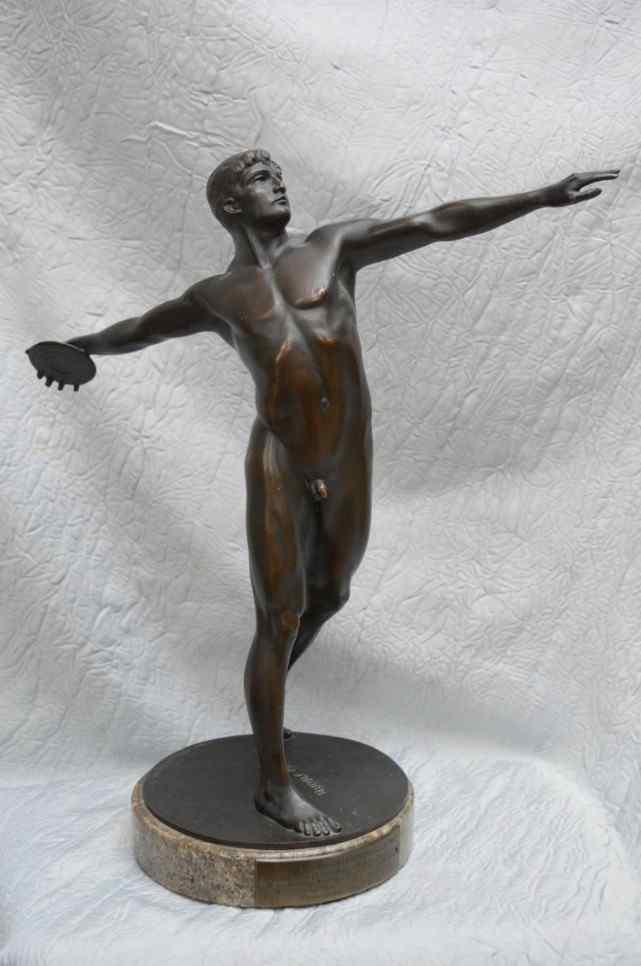 Rudolph Marcuse (1878-1929). Bronze, Le Discobole. Berlin.