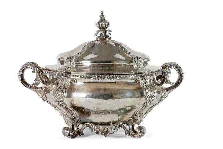 Importante zuppiera , Londra 1852, firmata: Robert Garrard