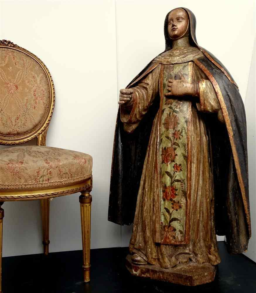 Античная важно Статуя Святого семнадцатой резного дерева