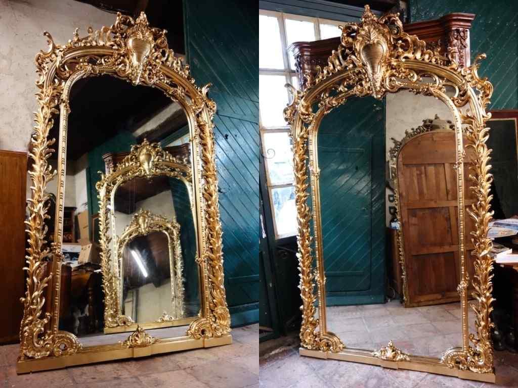 Coppia di antiche e grandi specchiere
