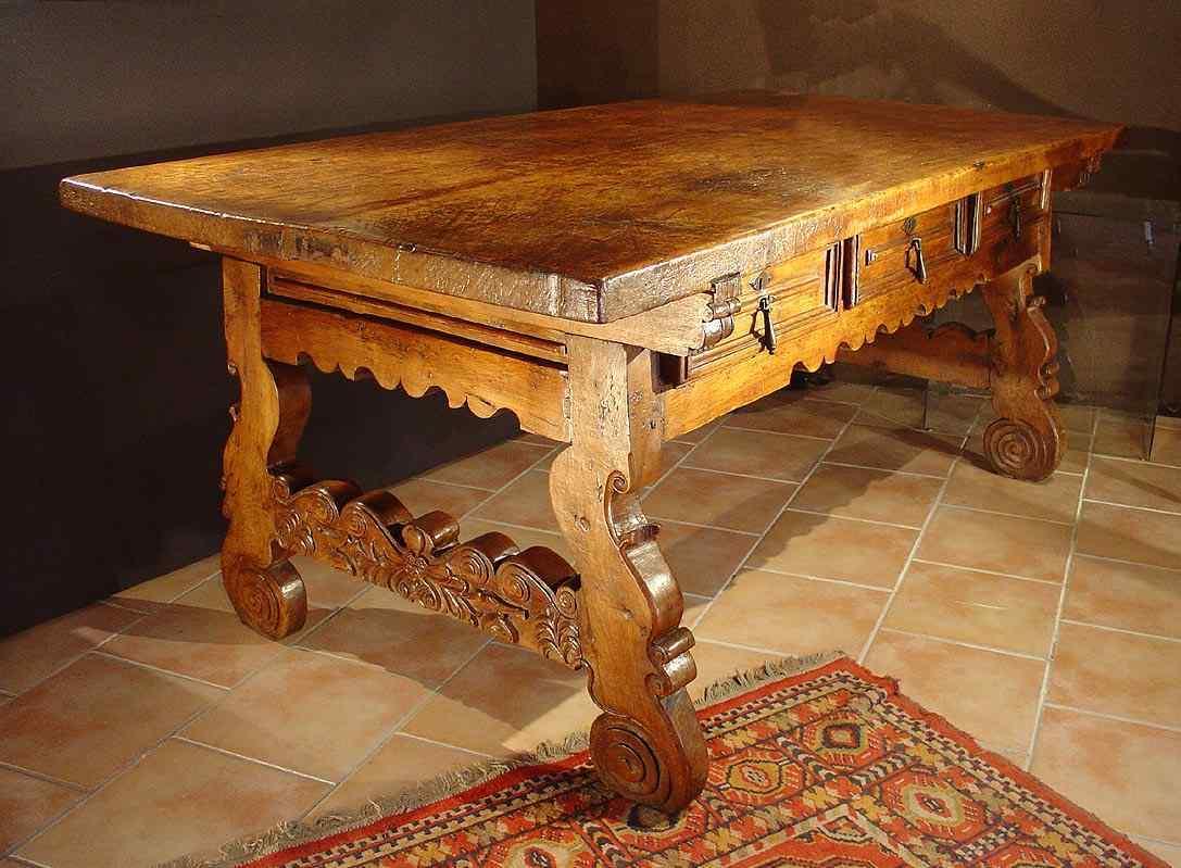 17th century spanish  desk
