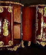 Пара угловых шкафов 18-го века-9