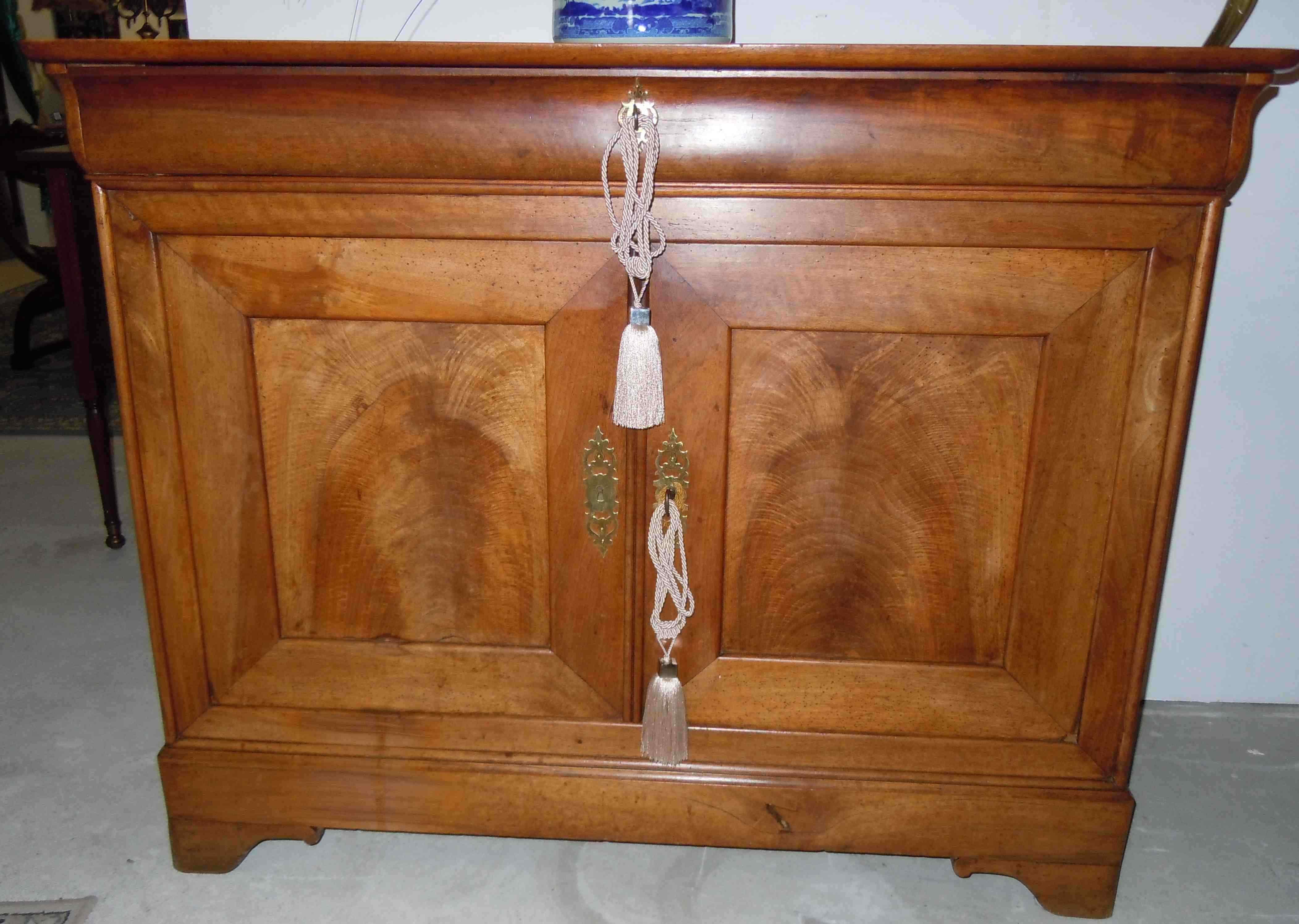 Credenza in massello di ciliegio periodo Luigi Filippo