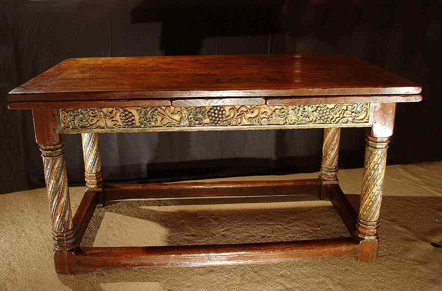 rare Table de Bourgogne