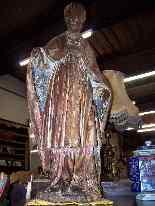Grande statua raffigurante un vescovo XVIII legno-0