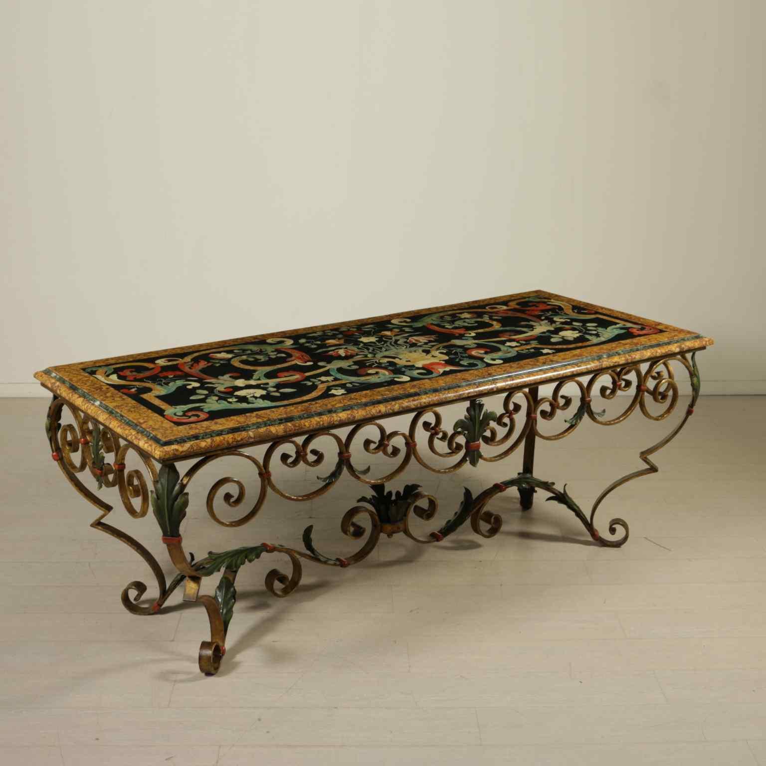 Tavolo in marmo e scagliola