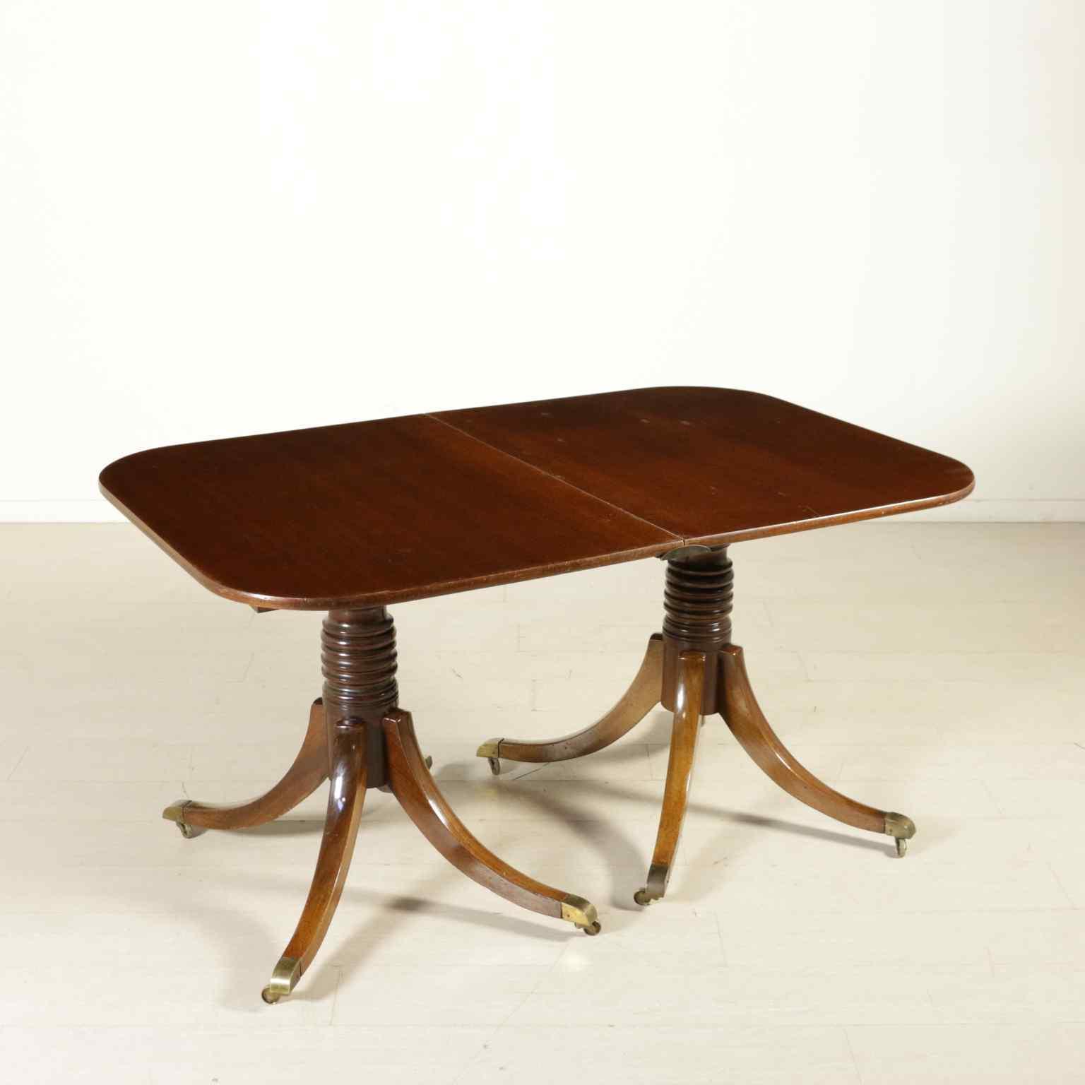 Tavolo allungabile in stile