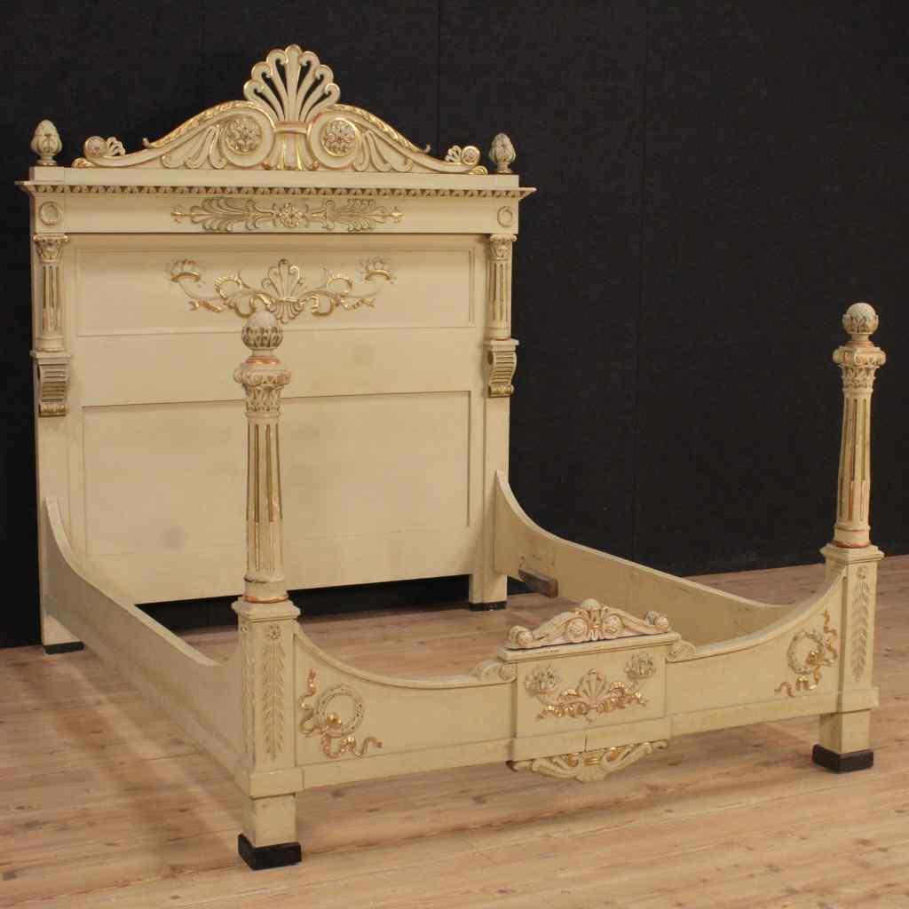 Letto matrimoniale laccato e dorato in stile Luigi XVI :: AnticSwiss