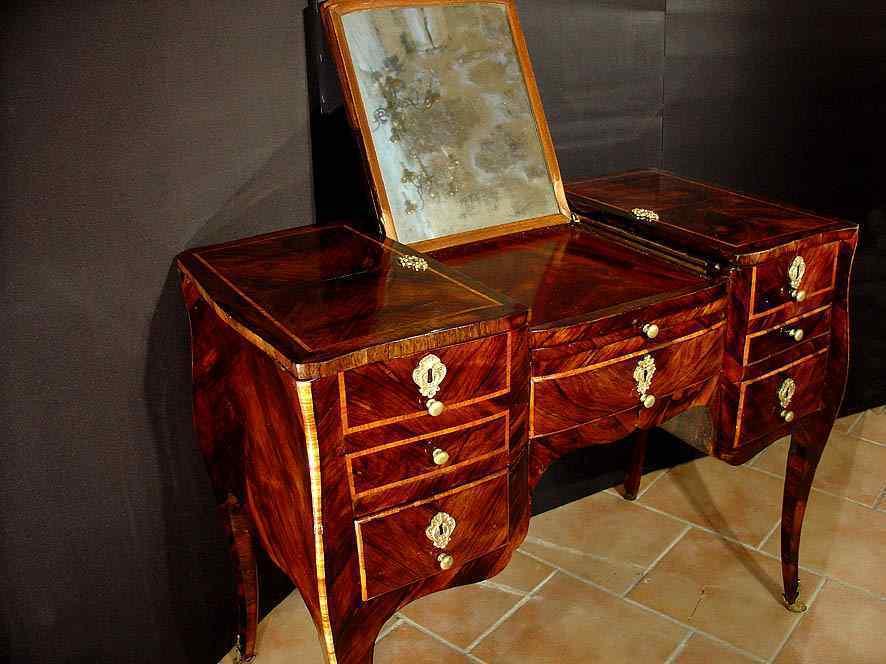 18th century Louis XV Vanity